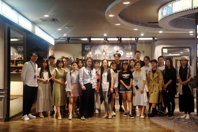 江西师范大学师生赴香港服装学院考察交流