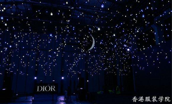Dior在上海走了场全息影像秀 竟然没有一个真人模特