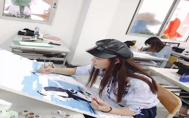 2019广东大学生时装周参赛选手专访 | 江静评:回归1978