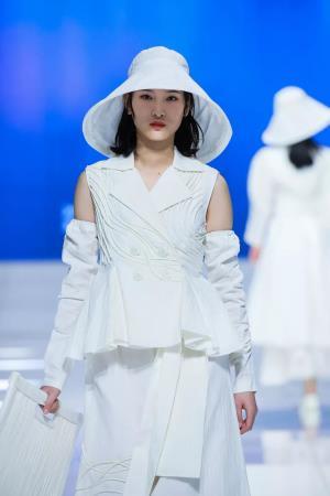 展盛世中国时尚风采——第四届中国国际时装设计创新作品大赛赛果揭晓